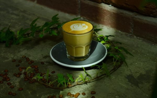 Latte (there are two sizes 8oz & 12 oz) 2880 x 1800